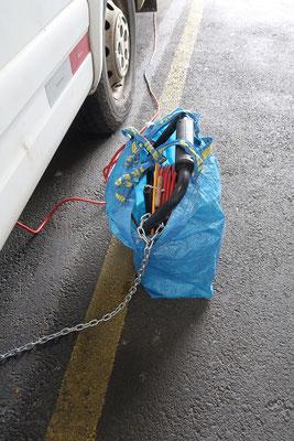 Unsere Kabelrolle und die neue Ketten-Sicherung - besser als nichts!
