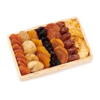 Art. 950232 Sion  Feigen, Birnen, Pfirsische, Pflaumen, Datteln, Ananas, Aprikosen     Korb: 20 x 13 x 2 cm  Verpackung: Karton 4 x 455 g