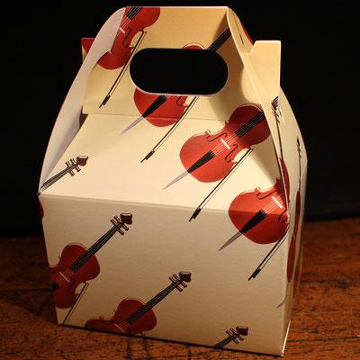 Autres (emballage, sacs, aimants, macarons, etc.)