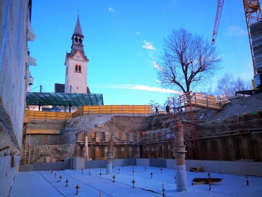 Bauwasserhaltung, Baugrubensicherung, Auftriebssicherung, Gebäudeunterfangung - Absenkung ca. 3 m
