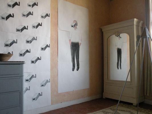 Installation papiers . Exposition chez Jean Vidal . 2010