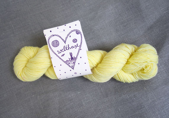 welthase bfl pearl 50g skein white lemon, see PICK &KNIT