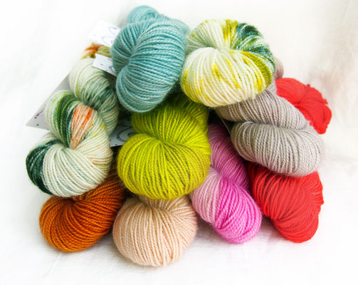 NEW SECTION: PICK & KNIT, 50g skeins of bfl pearl