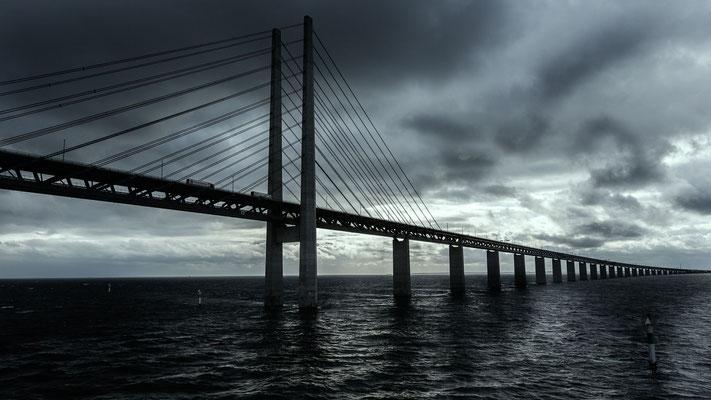 Öresundbrücke in dramatischem Licht