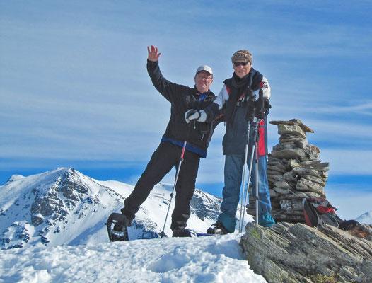 zusammen mit meinem ehemaligen Deutsch-/Sport-Lehrer Manfred Schmitz (anlässlich Besuch  im Wallis und gemeinsamer Schneeschuhtour oberhalb Visperterminen)