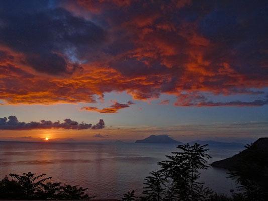 Sonnenaufgang auf Filicudi (Aeolische Inseln)