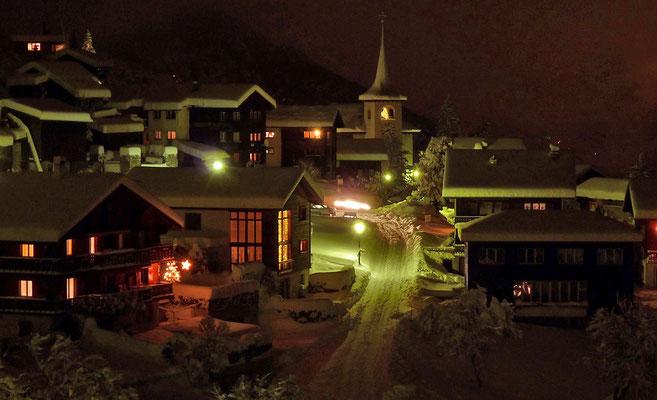 Dorfzentrum von Zeneggen in Winterstimmung