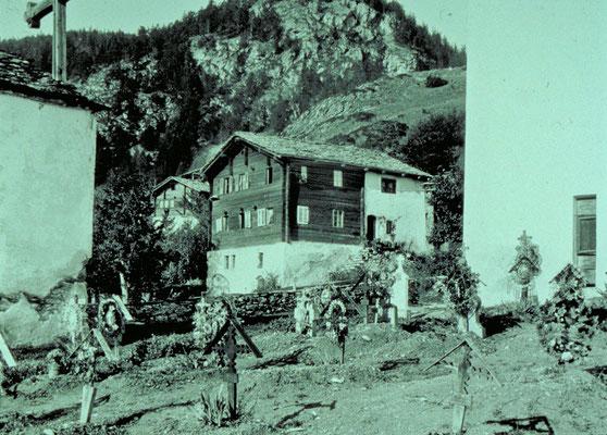 Friedhof mit Pfarrhaus (historische Fotos aus Stebler's Alpinmonografie von 1921)