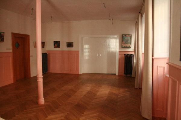 """Raum mit schönem Holzboden für movedo®  und Rücken Qi Gong im """"Visá vis"""""""