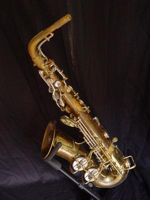 "Altsaxophon von Conn, Modell Artist, 6M oder ""Ladyface"", ""Naked Lady"", untenliegende Oktavklappe, Becherklappen links"