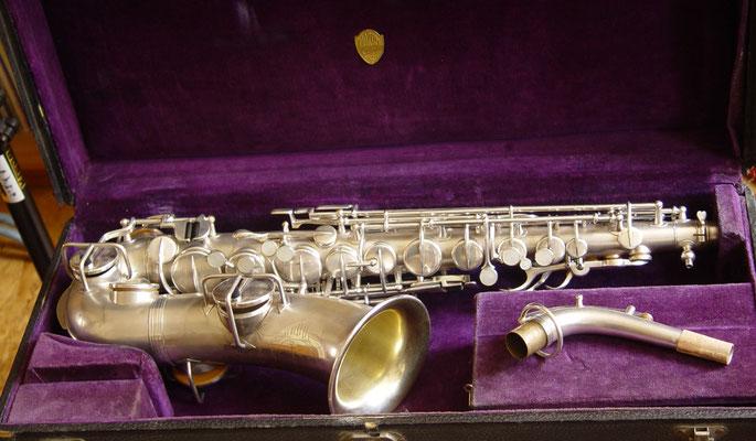 Altsaxophon von Martin mit seinen speziellen Tonlochkaminen
