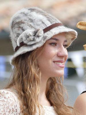 Chapeau en laine feutré à la main