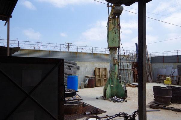 鋳造作業を行うスタジオ
