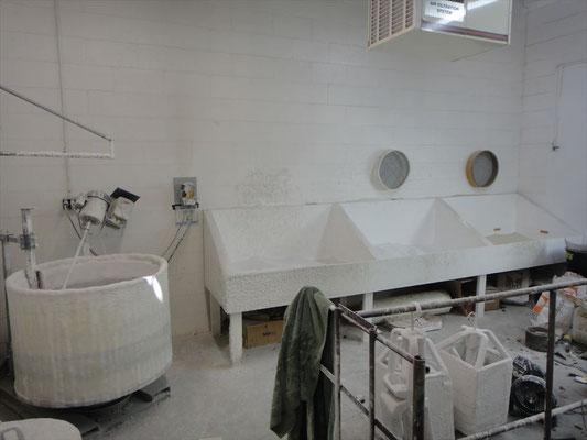 鋳造用の型を制作する部屋