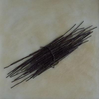 針金と蝋を素材とした作品