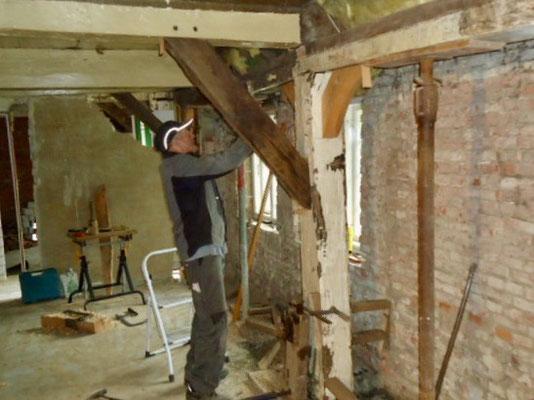 Martin Peter Hansen hat das komplette Ständer- und Balkenwerk in der Dörnsch restauriert.