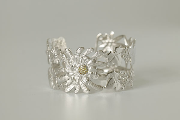 bracelet 4 saisons (or blancs saphirs jaunes)