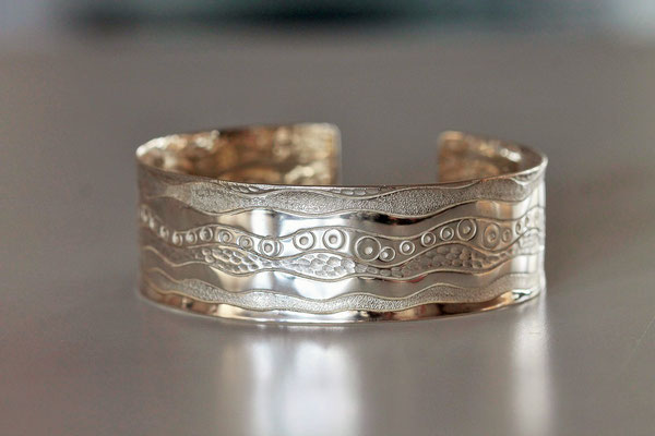 Bracelet Vagues en argent ciselé