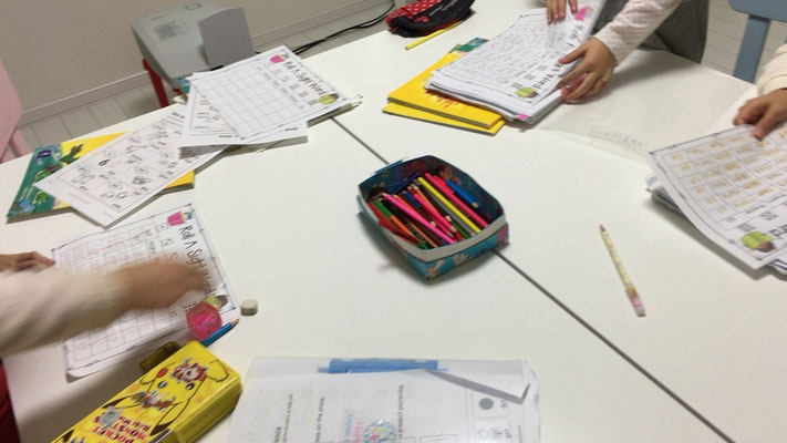 小学生英会話クラス風景