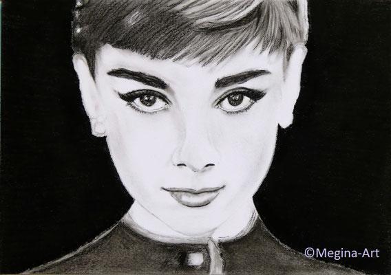 *Audrey Hepburn*, Kohlezeichnung, DIN A4