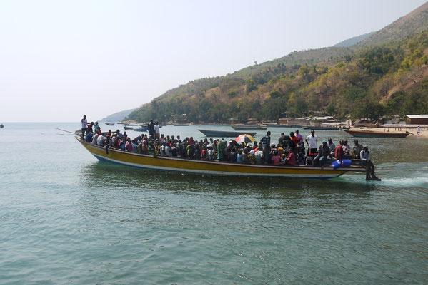 Der tägliche Transport aus dem 5 Stunden entfernten Kigoma