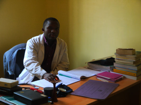 Kelvin, ein Clinicel-Officer in Ausbildung