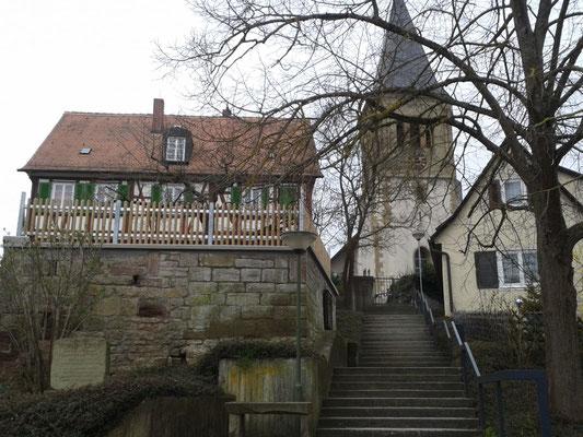 Kirche Gebersheim mit Erinnerung an Albrecht Goes