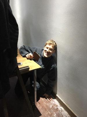 ... même sous les tables :-) Merci Thibaut :-D