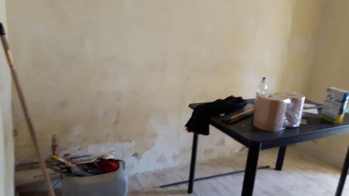 Des restes du dégêt des eaux... quelques murs à retaper...