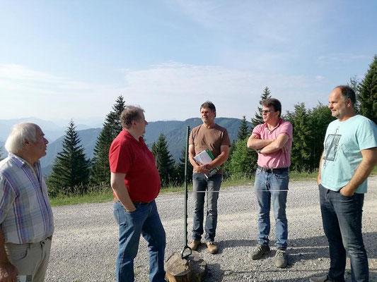 von links nach rechts: Johnann Bachmayr, Obmann der LAG Günther Martello, Leo Zerobin (Baggerunternehmer), Johann Putz (Fa. Schoiswohl), Obmann der Sternfreunde Rudi Dobesberger