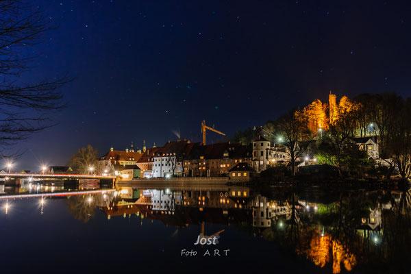 Landsberg in der Nacht - HDR - Spiegelung der Skyline auf der Wasseroberfläche