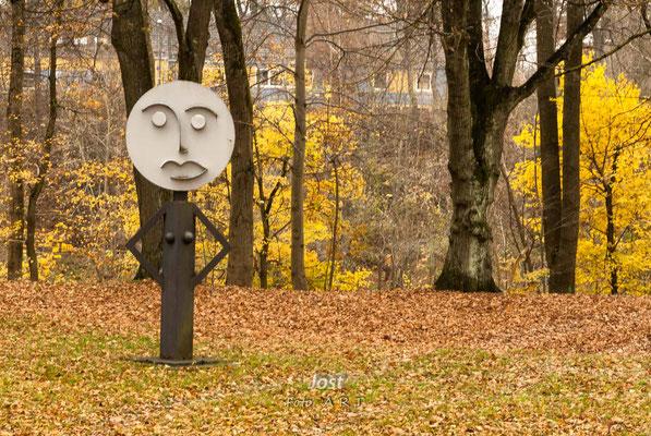 herbstlicher Park am Lech