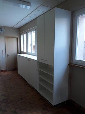 Schrank in Schulhauskorridor