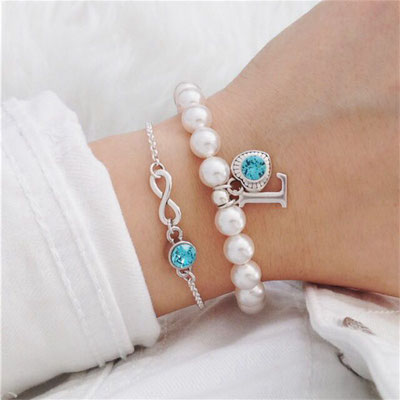 Bei SR Jewelry kannst du dein Perlenarmband ganz einfach online kaufen. Geschenk Mama. Finde dein Perlen Armband. Große Auswahl an Farben und Anhängern.  Weihnachtsgeschenk und Geschenkideen.