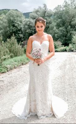SR Jewelry ist dein Onlineshop für Hochzeitsschmuck. Große Auswahl an Schmuck für die Hochzeit. Brautschmuck Set mit Perlen. Ohrringe, Armbänder, Rückenketten & Ketten.