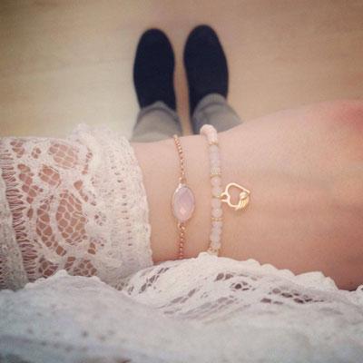 Bei SR Jewelry findest du rosegold Armbänder. Zartes Armband Infinity Zeichen. Armband mit Herz. Armband mit Anhänger rosegold. Anker Armband rosegold.