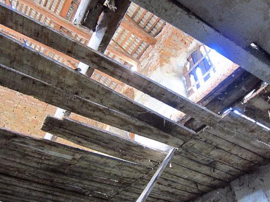 2017р. В середині синагоги. Другий ярус.