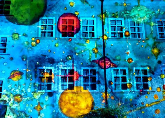 Stadtfest: Rosenheim leuchtet, die Geschäfte haben nachts noch geöffnet und es wird überall gefeiert