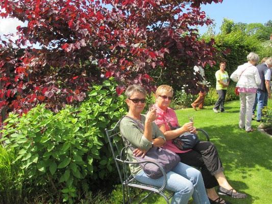 schöne Sitzplätze im schaugarten