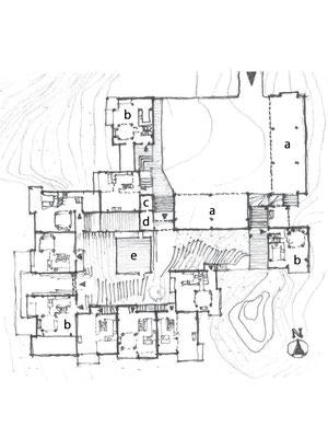 平面図 aガレージ b別荘ユニット c電気室 d洗濯室 e中庭テ ラス 図の左手(西側)が太平洋