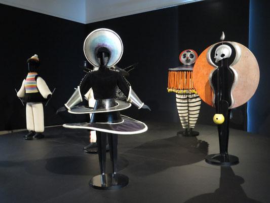 展示室内部 オスカー・シュレンマーの作品