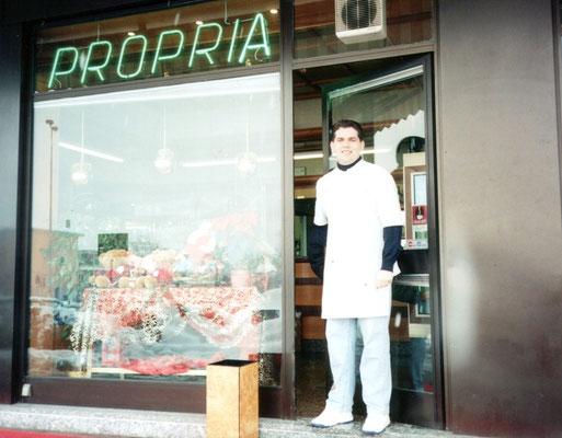 Anni 90 a Peschiera Borromeo in Via Della Liberazione.