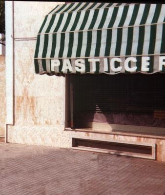 Uno scorcio del negozio aperto a Tricase in piazza Capuccini negli anni 80
