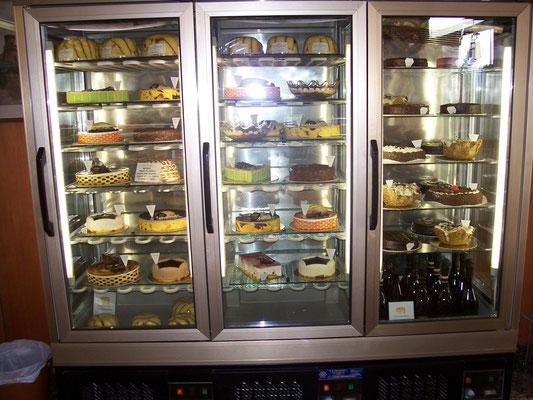 La vetrina delle Torte Fresche e dei Semifreddi