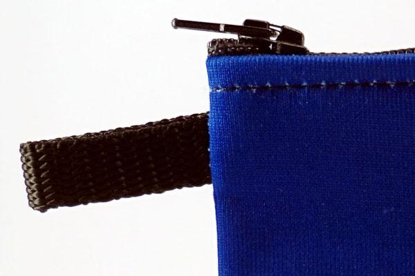 Tasche mit Schlaufe