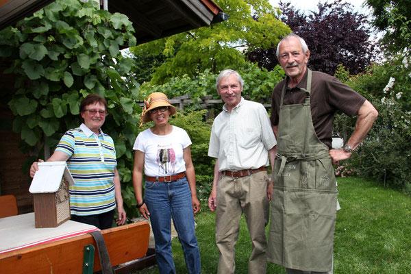 Unsere Gastgeber (links und 3. von links)