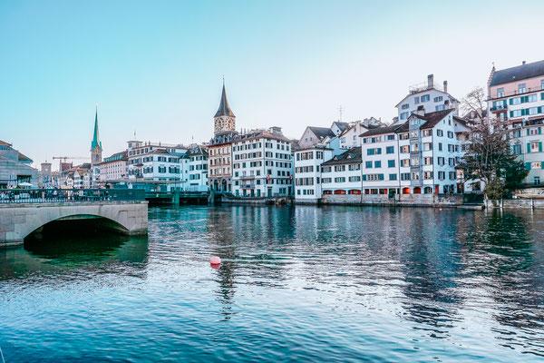 Die besten Instagram Spots in Zürich. Mit meinen Tipps findest du die schönsten Foto Locations in Zürich und stellst dir deinen optimalen Fotografie Stadtrundgang zusammen.