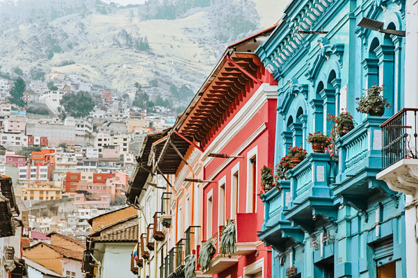 Urlaub in Ecuador: Plane deine Reise mit AirFrance nach Quito, Ecuador. In meinem Blogbeitrag findet ihr Tipps zur besten Reisezeit, den schönsten Sehenswürdigkeiten und Ausflügen. Plane jetzt deine Reise nach Ecuador und entdecke die Hauptstadt Quito mit