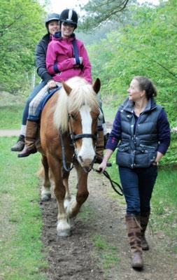 Een stap les met vrijwilligers - een buitenrit