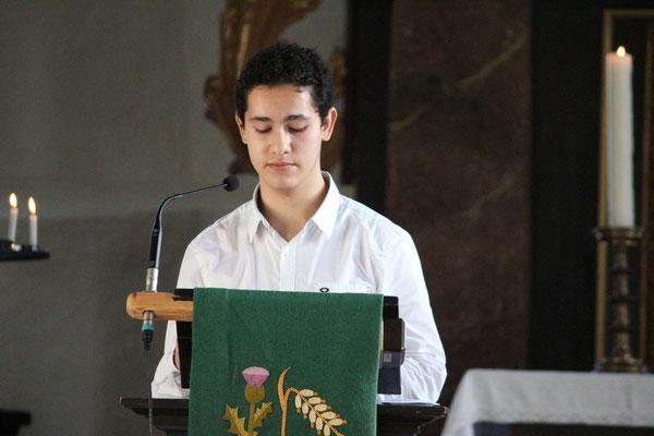 Lesung in der Kirche  (Bild: © Arno Grewe)